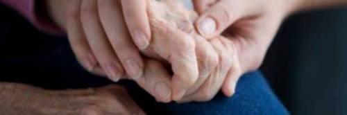 """Scandalo in Francia, malati di Alzheimer usati come """"cavie umane"""""""
