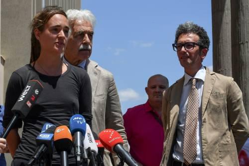 """Carola Rackete: """"Il governo tedesco mi ordinò di portare i migranti in Italia"""""""