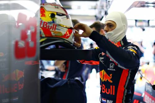 """F1, Verstappen: """"Hamilton non è nulla di speciale"""""""