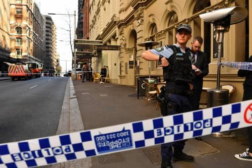 Attacco con coltello a Sydney: morta una donna 8