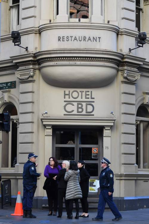 Attacco con coltello a Sydney: morta una donna 9