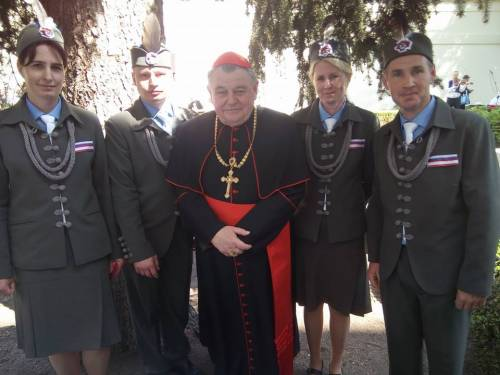 """Cardinale invoca """"Visegrad"""" dei cattolici dell'Est contro lobby gay"""