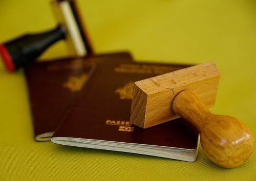 Padova, espulso cambia cognome e torna in Italia: arrestato