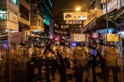 Hong Kong, nuovi scontri in piazza: sale la tensione 3