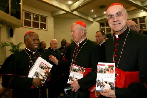 """Il cardinale tuona contro i buonisti: """"Non dite ai migranti di partire"""""""