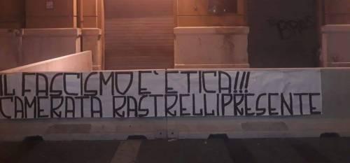 Striscione fascista per l'ex governatore Rastrelli: indaga la Digos