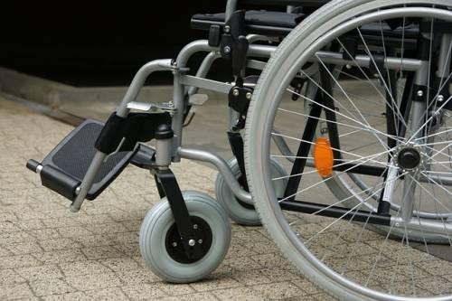 Bari, rubano l'auto a due sorelle disabili: l'appello sui social