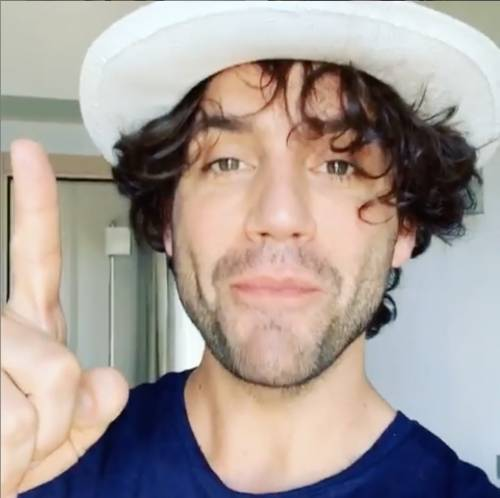 """Mika rivela: """"Sono serviti 6 anni per ristrutturare una casa comprata d'occasione online"""""""