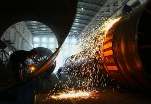 Coronavirus, scontro tra industriali e sindacati. Metalmeccanici in sciopero