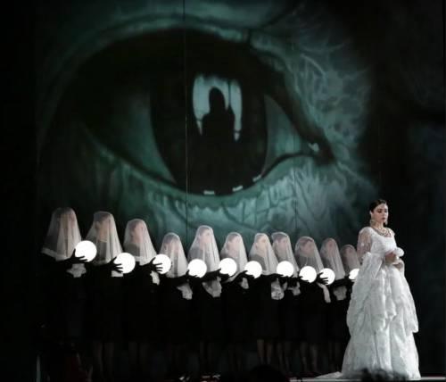 """""""Semiramide"""", le voci regine riscattano la regia troppo pop"""