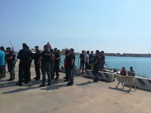 Sbarco a Porto Empedocle 2