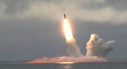 Russia, lanciati con successo due missili balistici intercontinentali