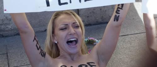 Femen profanò Notre Dame: Macron la nomina consulente