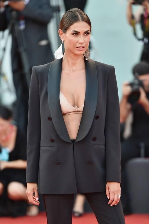 Melissa Satta bomba sexy sul red carpet di Venezia 3