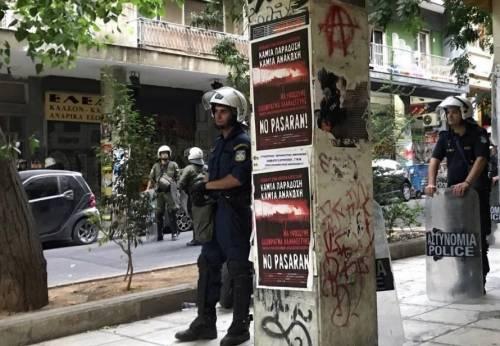 Grecia, pugno duro del governo nel quartiere controllato da anarchici e centri sociali