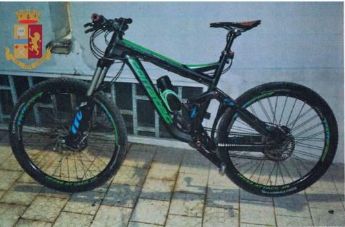 Taranto, ladri di biciclette: fermati in due