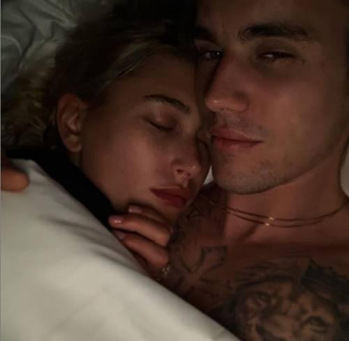 Justin Bieber e Hailey Baldwin, le foto più sexy 4