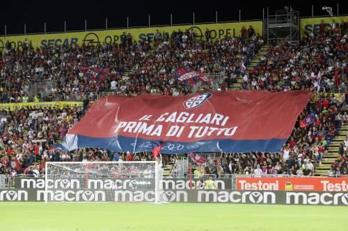 Il Cagliari nel mirino per i cori razzisti a Lukaku: i precedenti