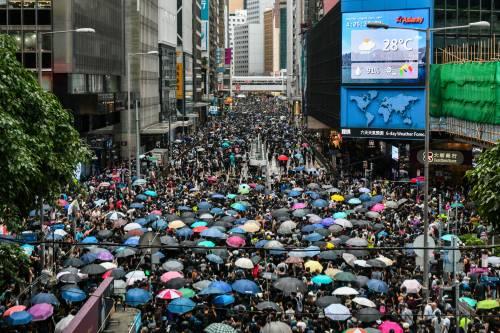 Hong Kong, Carrie Lam verso il ritiro della legge sull'estradizione