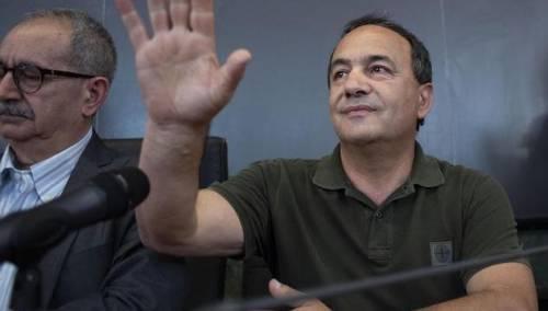 """Le campane lo interrompono e Lucano attacca: """"Il parroco ha votato Lega"""""""