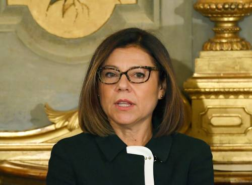 De Micheli promette, ma Alitalia in stallo