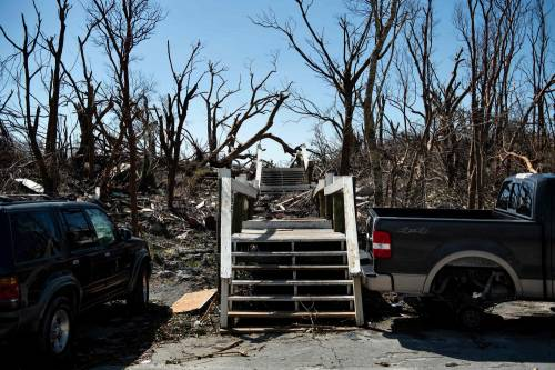 Uragano Dorian, morte e distruzione alle Bahamas 5