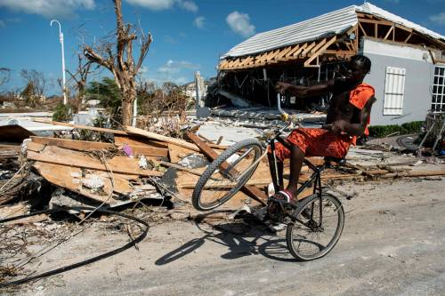 Uragano Dorian, morte e distruzione alle Bahamas 7
