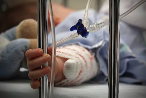 In coma bimba di 14 mesi: