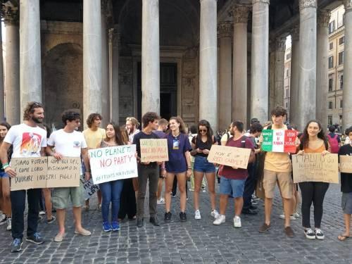 Friday for future in piazza contro le Grandi Navi a Venezia 4