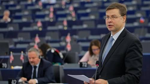 Gentiloni depotenziato? Cresce il peso di Dombrovskis nella Commissione Ue