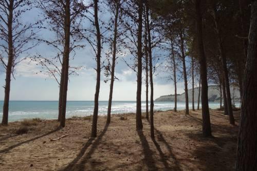 La spiaggia di Eraclea Minoa continua a sparire: lavori ancora fermi