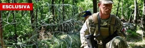 """Uno """"scudo"""" di soldati e filo spinato per fermare i migranti"""