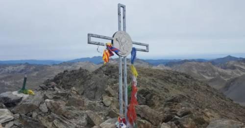 In Francia vincono i laicisti: via le croci dalle vette dei Pirenei