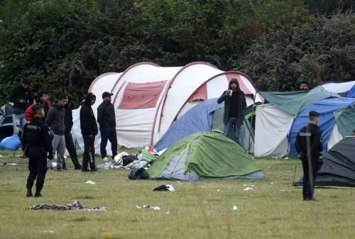 """Francia, sgomberato campo migranti: """"Troppa violenza"""" 2"""