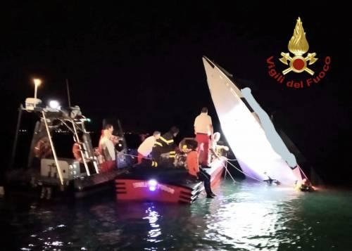 Imbarcazione si schianta contro la diga a Venezia: 3 morti e un ferito grave