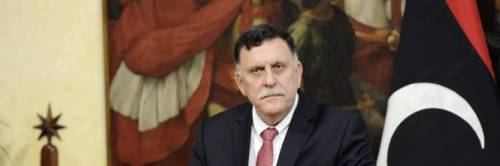 Sarraj si opera a Roma: i poteri passano a Maitig e l'Italia torna in partita