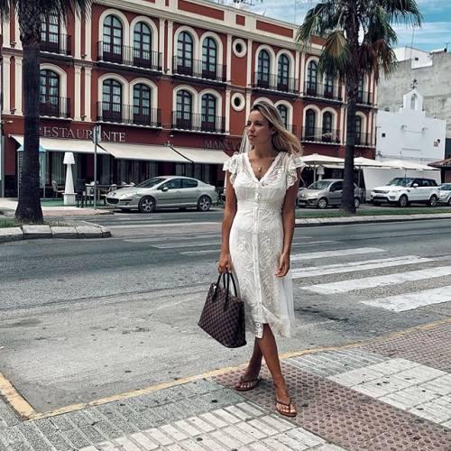 Alba Silva rapisce i suoi follower su Instagram 11