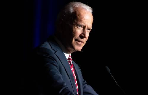 """La gaffe razzista di Biden: """"Non stai con me? Non sei nero"""""""
