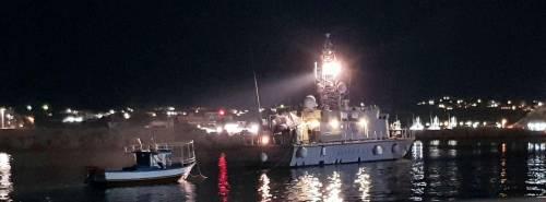 Nuovi sbarchi a Lampedusa, nella notte 108 i migranti approdati