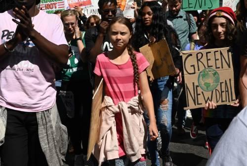 """E Greta piange: """"Voi leader ci avete rubato il nostro futuro"""""""