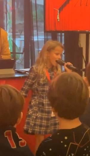 Alessia Marcuzzi, che film la festa per gli 8 anni di Mia 4