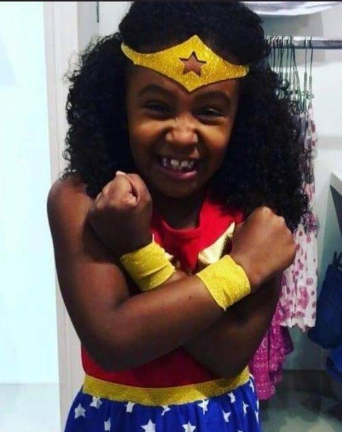 """Brasile, muore bimba di 8 anni: """"Colpita dal proiettile dalla polizia"""""""