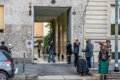 Milano, mamma e figlia precipitano dall'ottavo piano 2