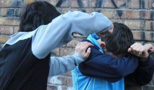 Baby gang terrorizza intero condominio: arrestati quattro minorenni
