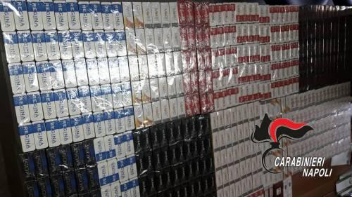 In auto con 1576 pacchetti di sigarette di contrabbando
