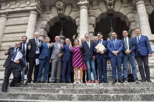 Legge elettorale, Calderoli consegna il quesito referendario in Cassazione 1