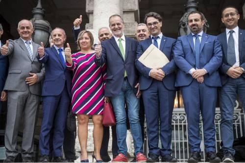 Legge elettorale, Calderoli consegna il quesito referendario in Cassazione 4