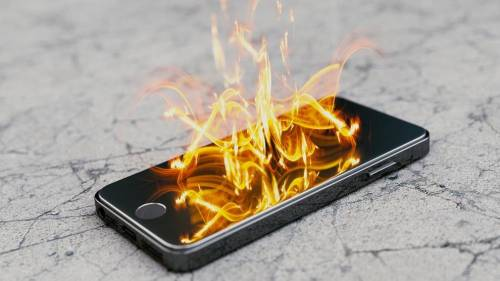 Cellulare esplode mentre dorme: 14enne morta sul colpo