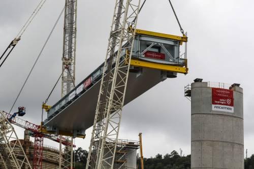 """Il """"varo ad alta quota"""" del primo pezzo del Ponte di Genova 3"""
