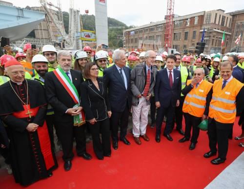 """Il """"varo ad alta quota"""" del primo pezzo del Ponte di Genova 11"""